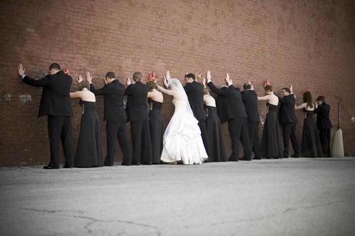 Свадебный сценарий детально прописывает все моменты мероприятия: это расписанная по...